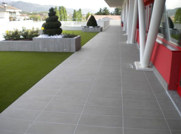 outdoor tiling
