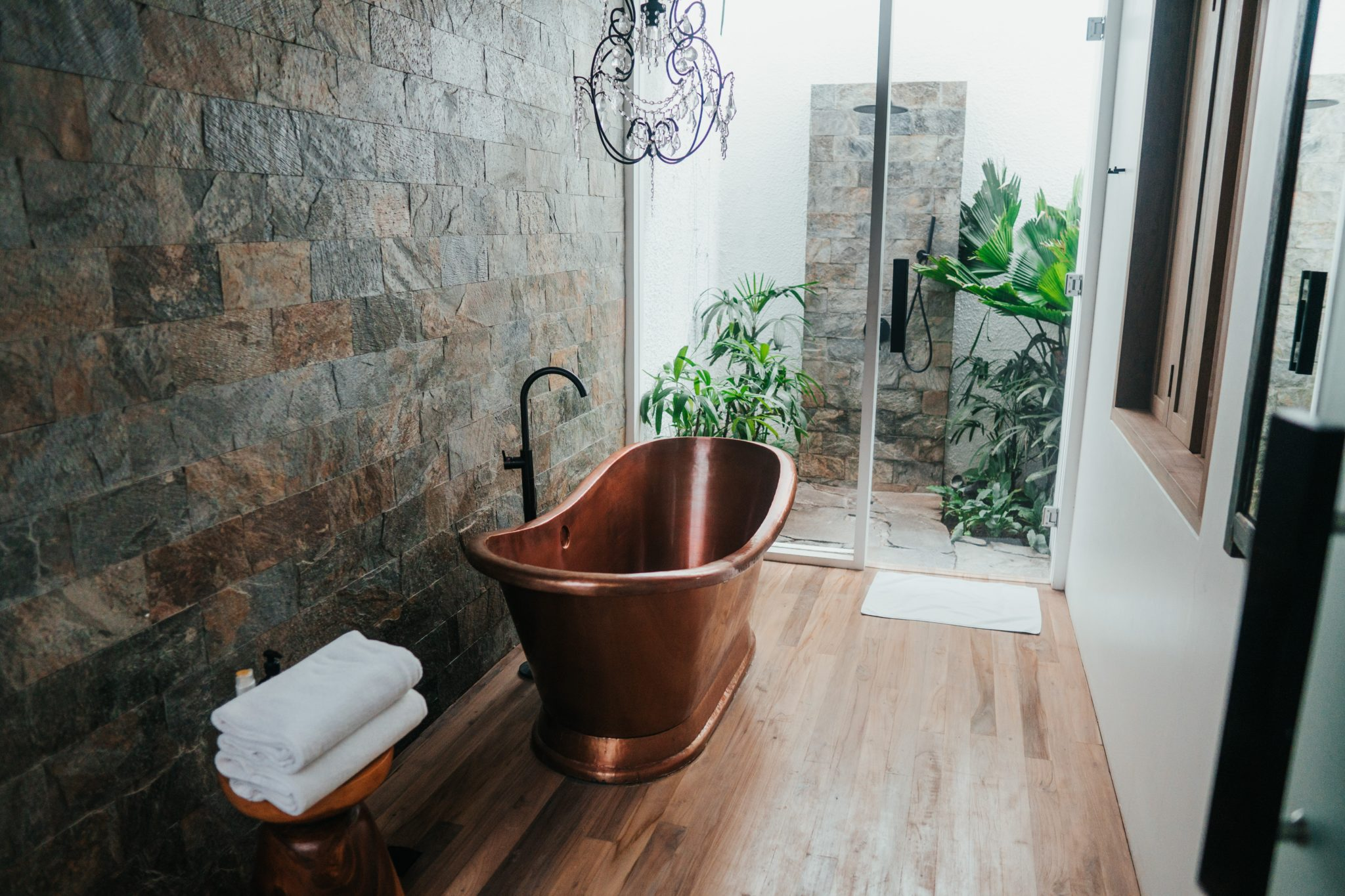 Beautiful Slate wall tiling by Norvic Tiling